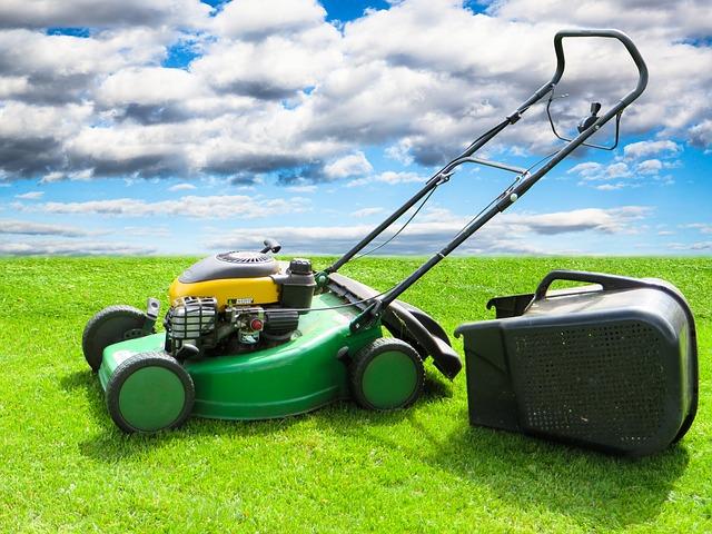 sekačka na trávu se zásobníkem.jpg