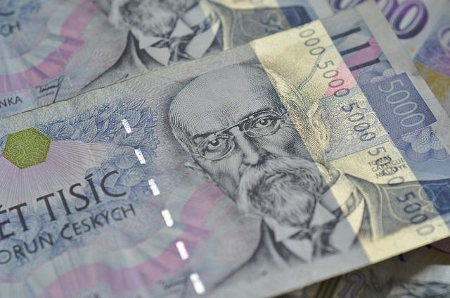 pět tisíc korun
